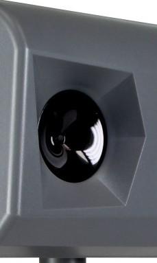 Данный ультразвуковой динамик распространяет отпугивающие сигналы на площади до 200 квадратных метров