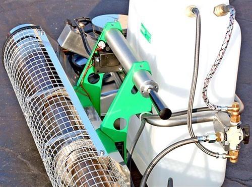 Ключевые элементы генератора изготовлены из нержавеющей стали, а шланги защищены металлической оплеткой (нажмите, чтобы увеличить)